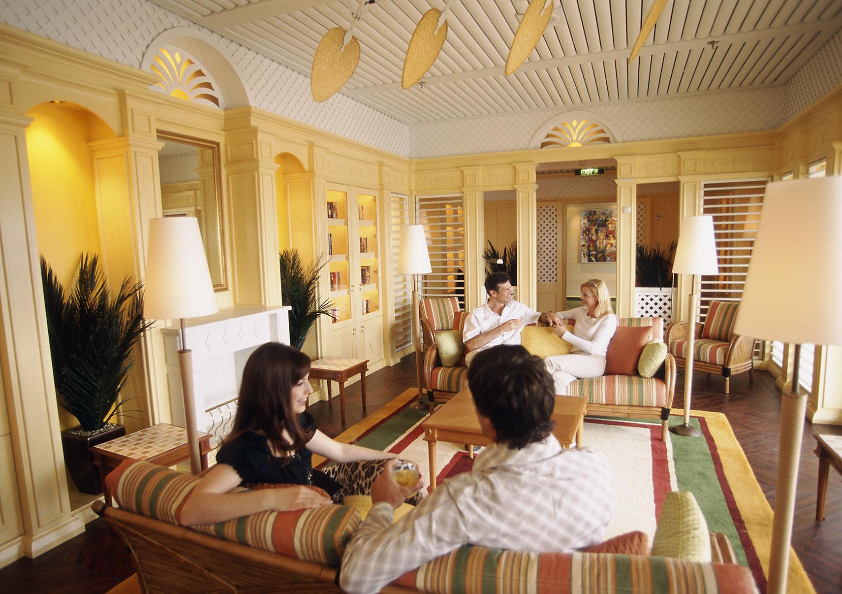 aura vita Hemingway Lounge