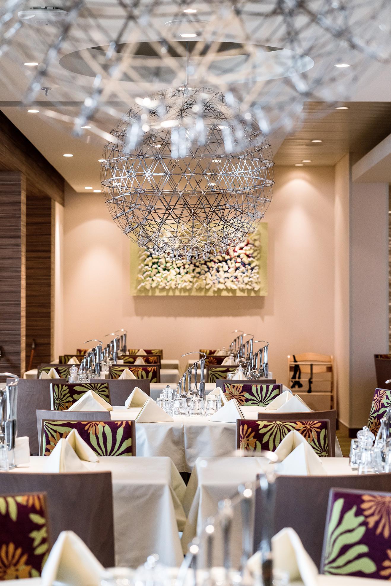 AC_036759_East_Restaurant