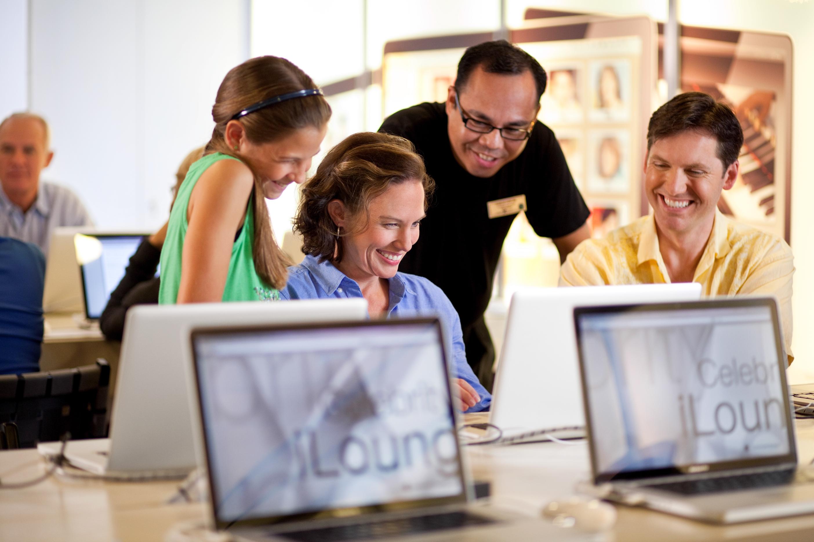 Internet Cafe iLounge