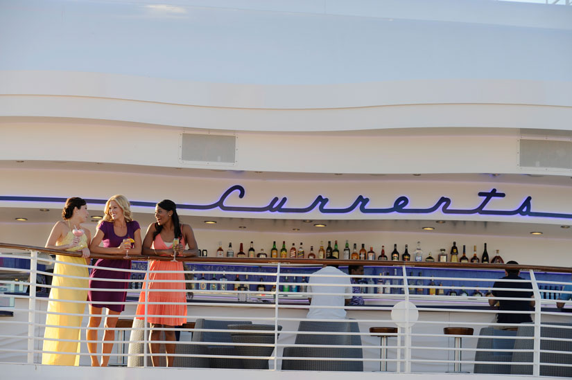 Currents Outdoor Bar