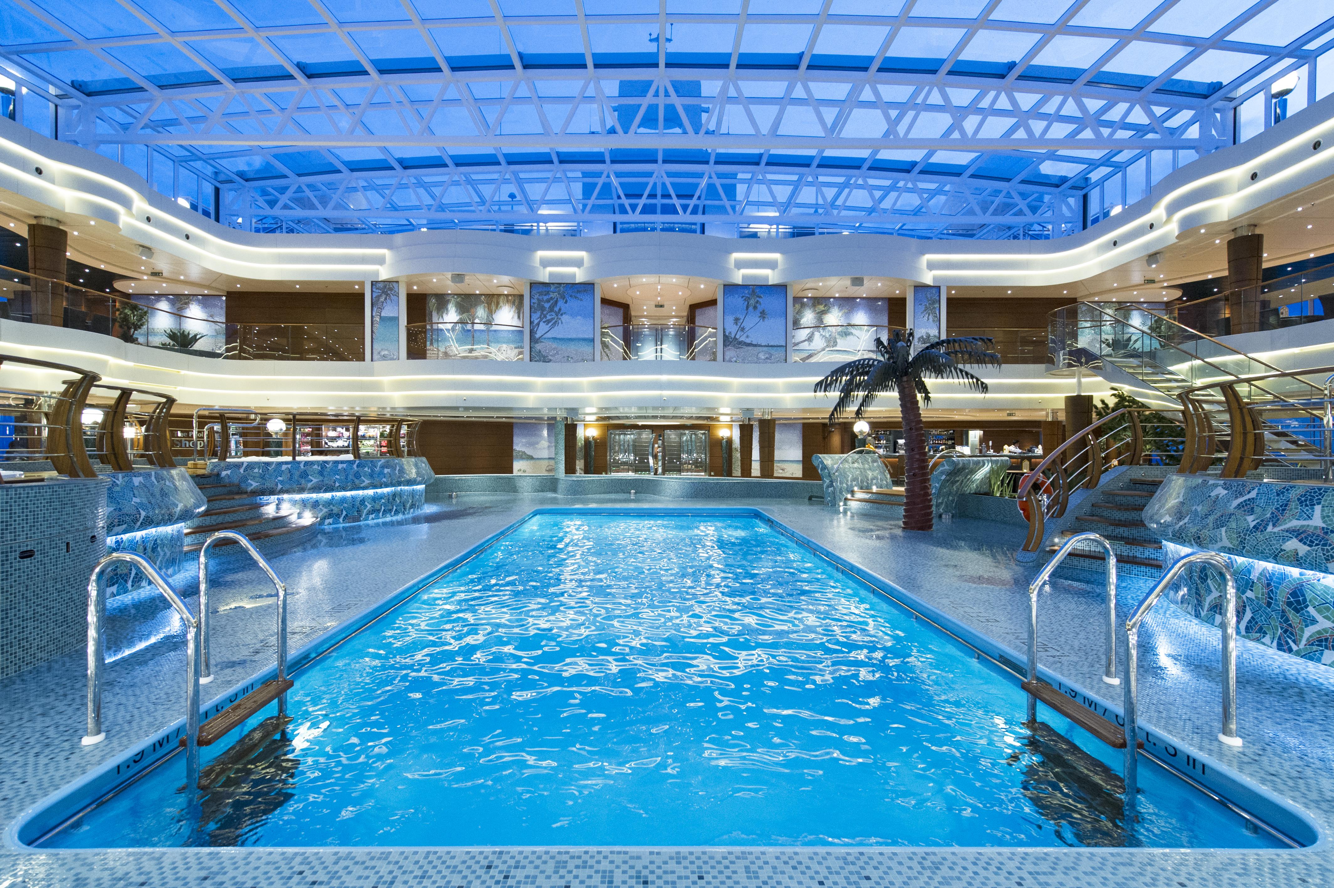 Pool La Playa