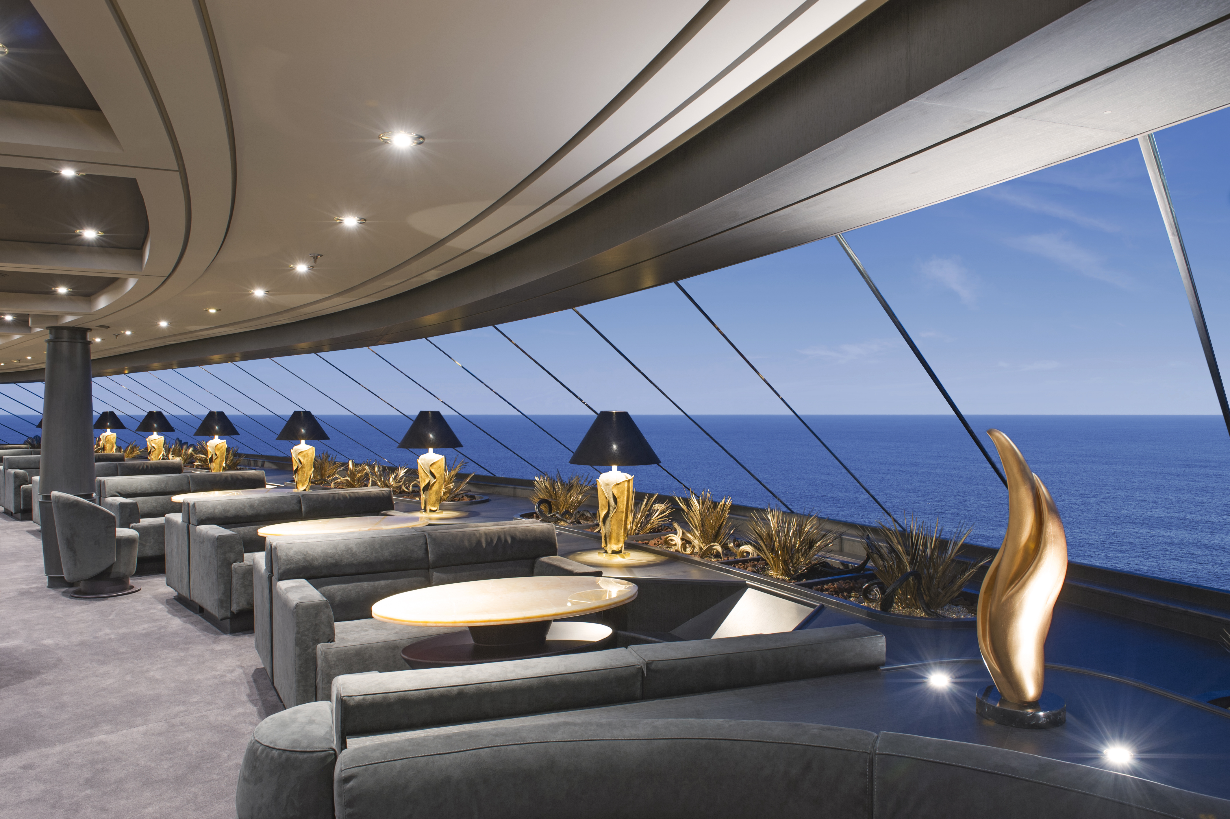 Yacht Club Top Sail Lounge1