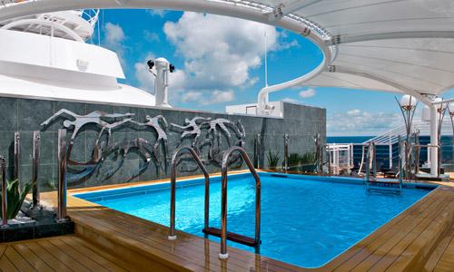 Yacht Club Pool Bereich