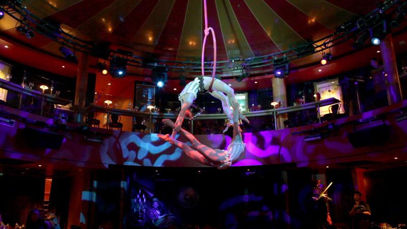 Spiegel_Tent_Show_Restaurant