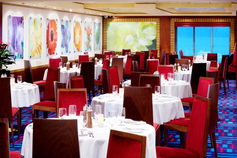 Magenta_Hauptrestaurant