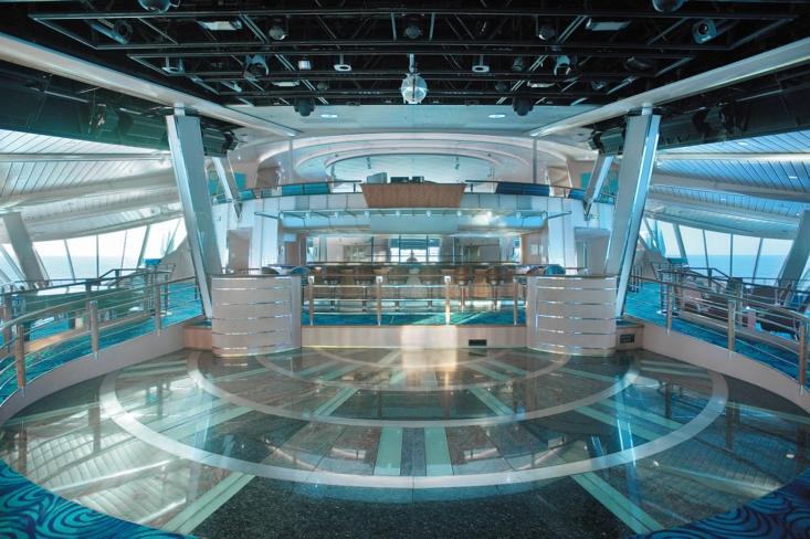 Viking Crown Lounge1