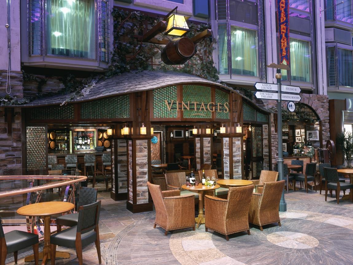Vintages Lounge
