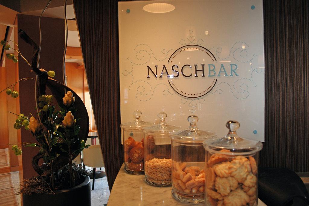 Nasch_Bar